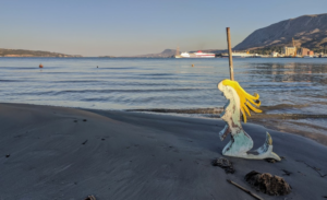On the way back from Stavros we stopped at a beach in Souda and found a mermaid!